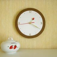 Часы настенные с клубничкой